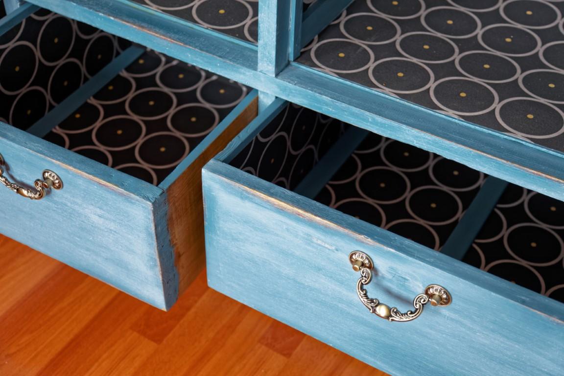 meuble vintage peint à la craie