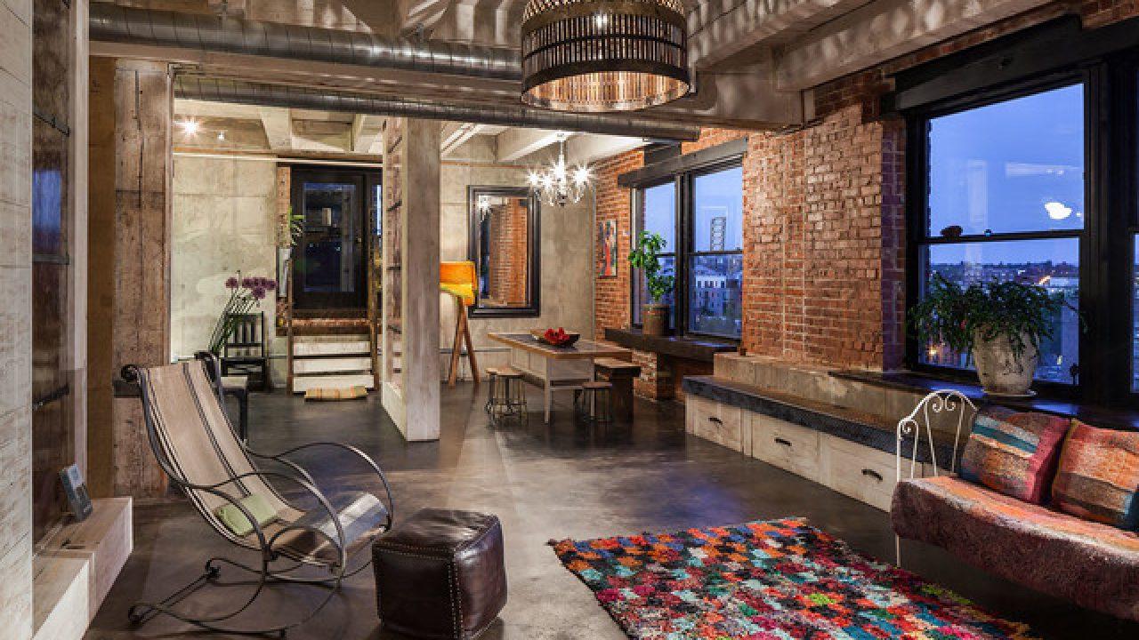 meubles vintages pour un salon industriel